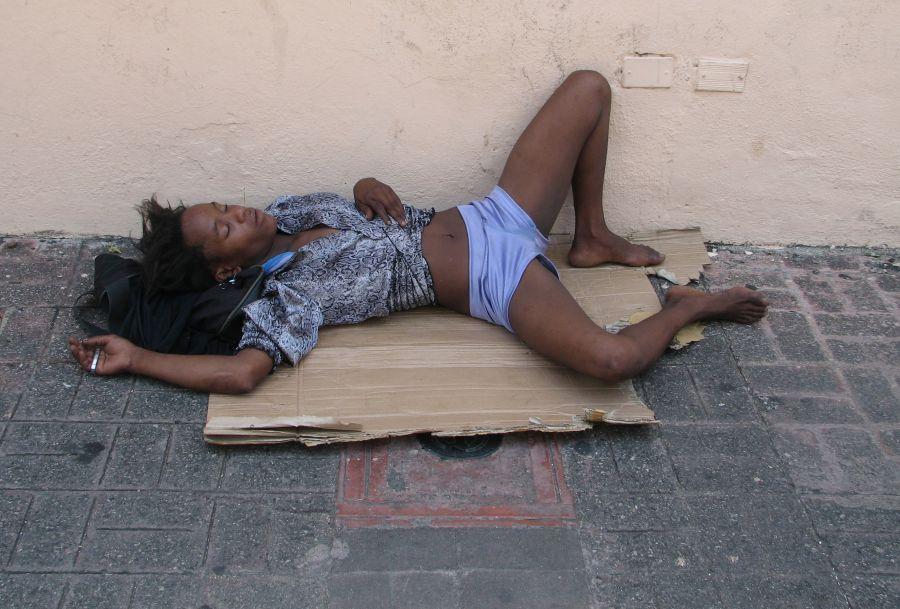 Mujeres Dormidas Y Borrachas Drogadas Cojiendo
